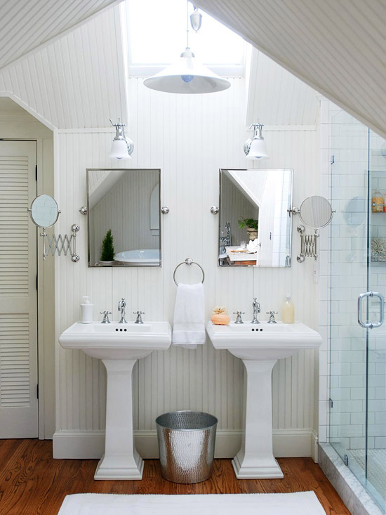 Image source: http://www.bhg.com/bathroom/small/make-a-small-bath-look-larger/#page=3