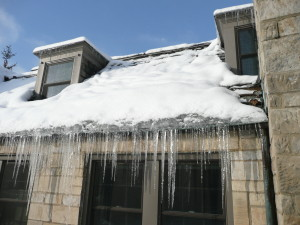 ice-dams-on-roofs